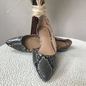 Snakeskin A NEW DAY Cut Out Pointed Toe Flat 8
